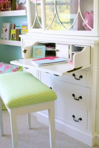 The Dainty Desk