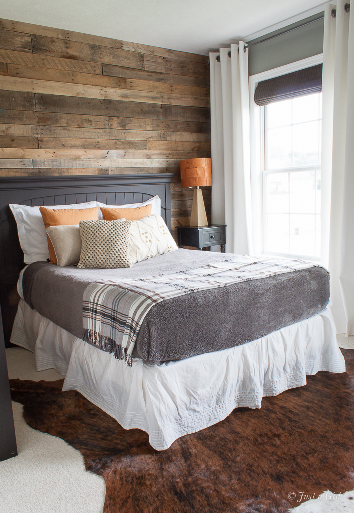 How To Install A Pallet Wall Part 1 Just A Girl Blog