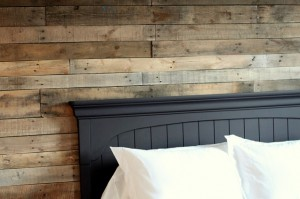 DIY Pallet Wall {Part 2}