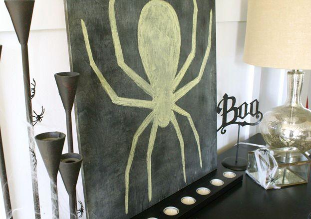 DIY Halloween chalkboard
