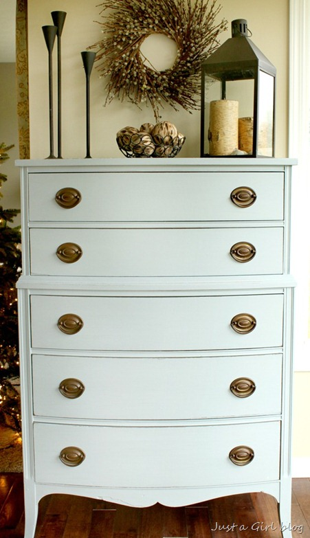milk-paint-dresser-11_thumb.jpg