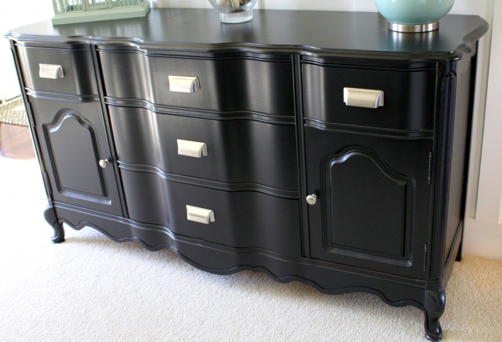 How to paint furniture without a sprayer