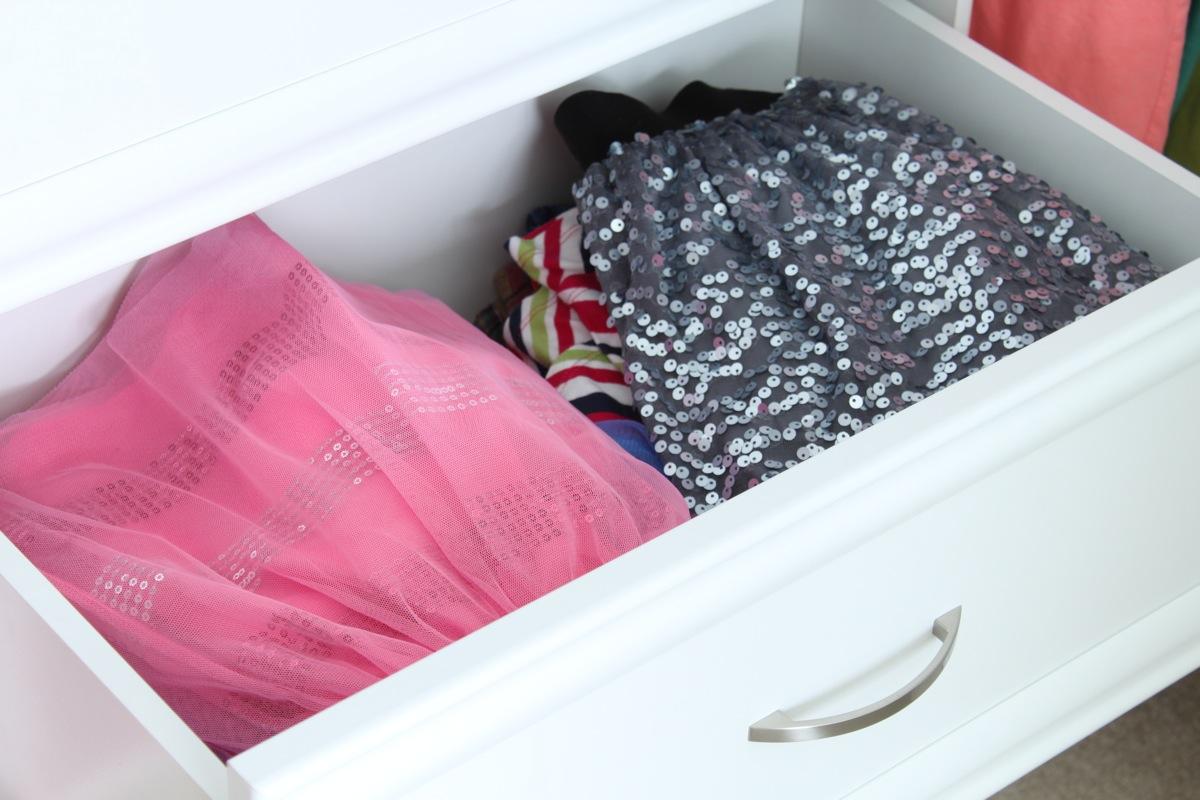 Skirt drawer
