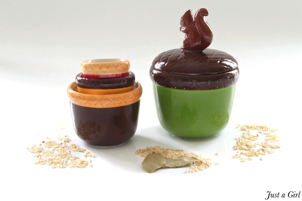 Fall measuring cups
