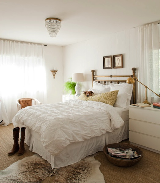 white neutral bedroom