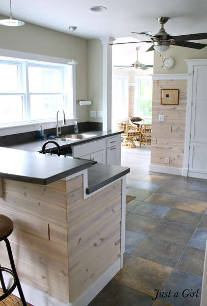 Cottage planked kitchen