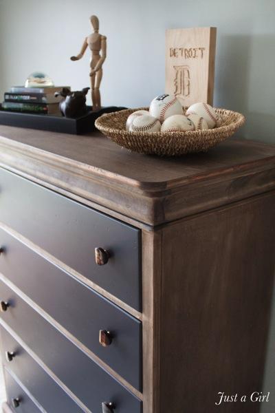 Aged wood dresser1