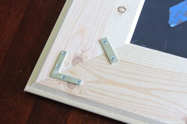 Frame corner brackets