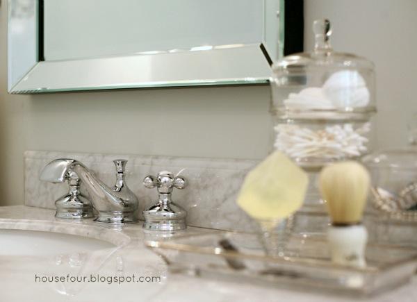 Vanity faucet w