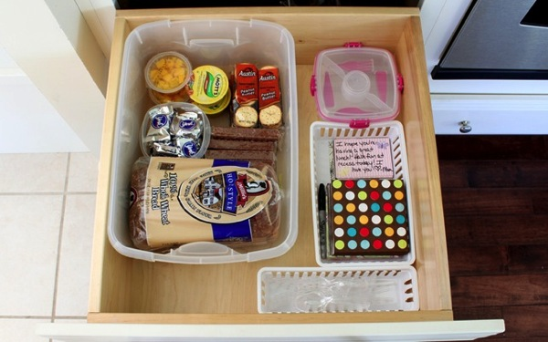 Lunch drawer