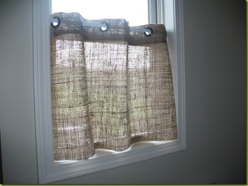 How to make a burlap window treatment