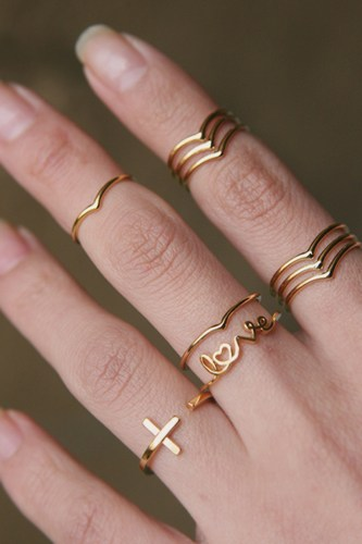 Gold stackable chevron v midi rings set of 2 f291f109