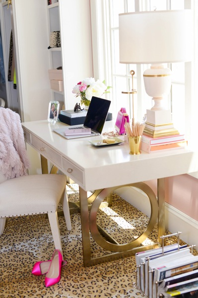 Feminine office space