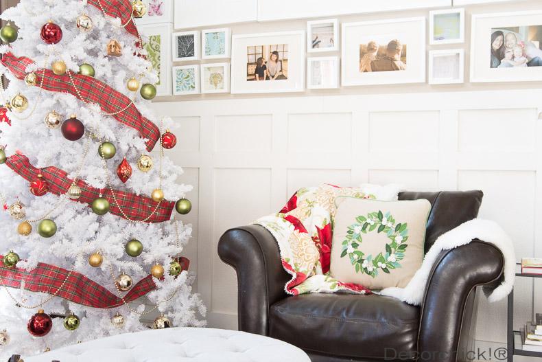 Red-White-Christmas-Tree