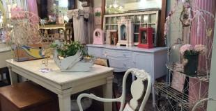 Bluedoor Antiques