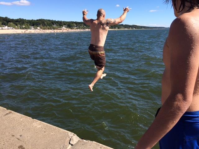 pier-jumping