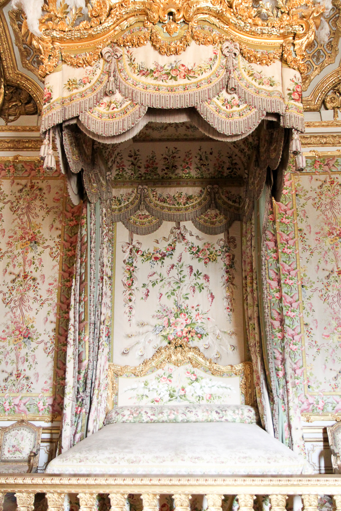 versailles-bedroom