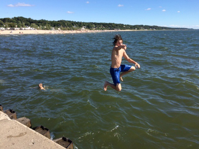 pier-jump