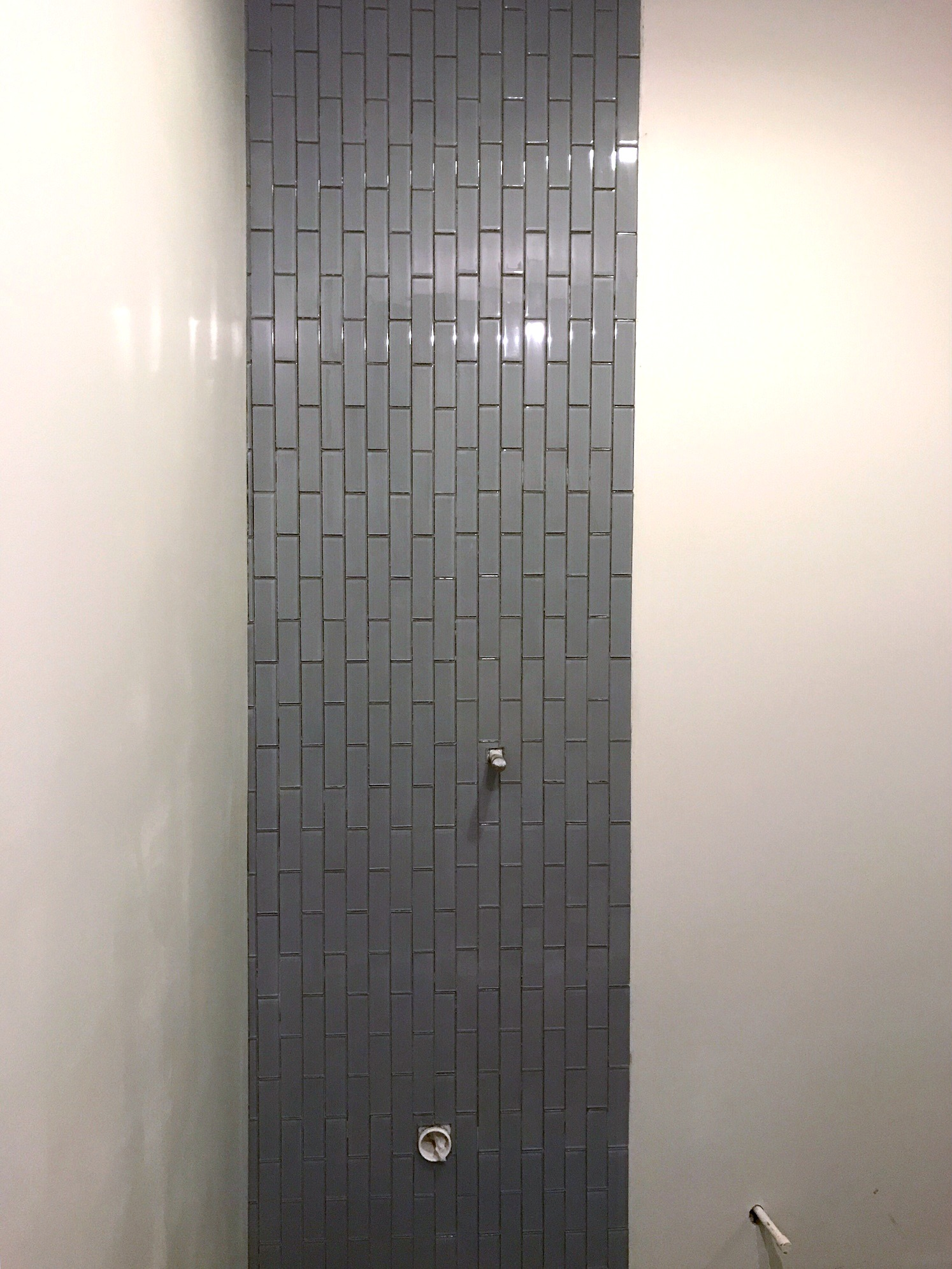 tile urinal wall